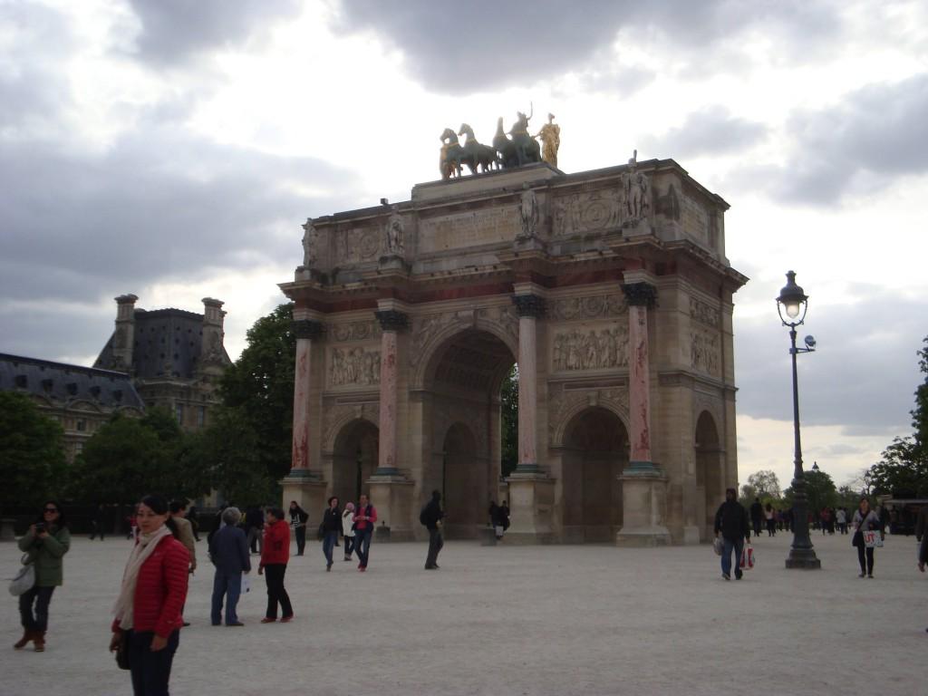 Париж18