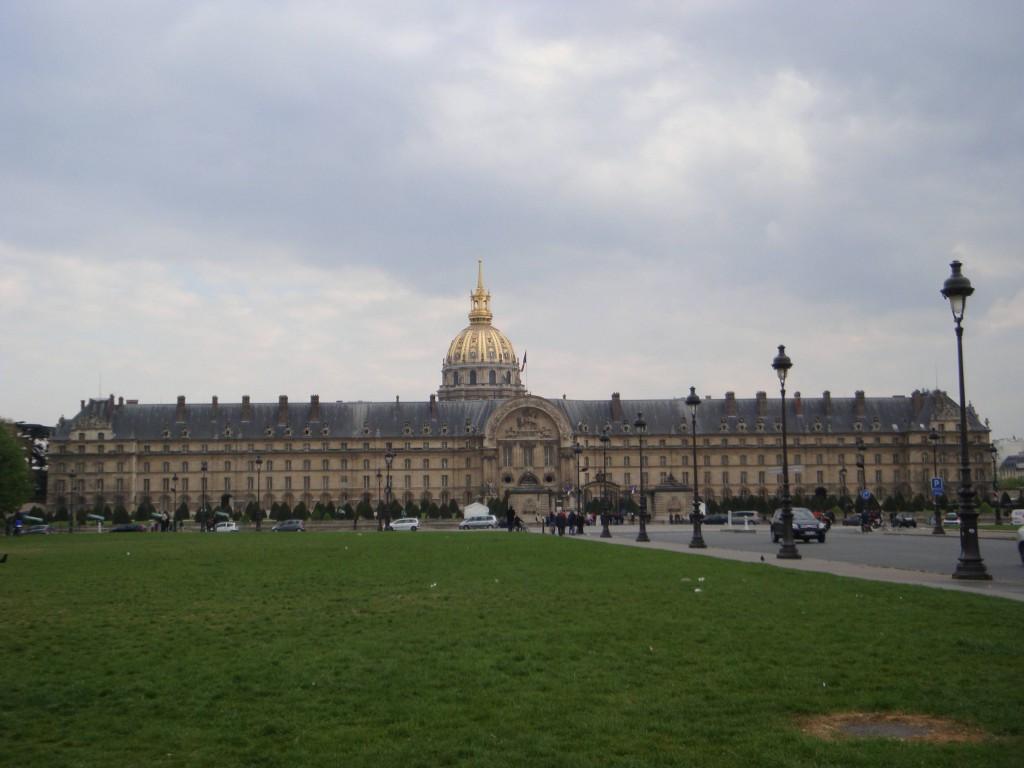 Париж25